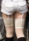 Can you see pantyhose?