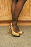 rik-05 man in pantyhose and high heels