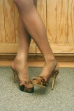 rik-10 man in pantyhose and high heels