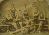 A waterpolo team more than a hundred years ago.