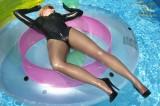 rubbervita-swimming-in-latex-09