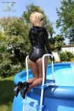 rubbervita-swimming-in-latex-17
