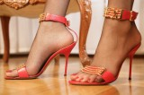 fishnet-pantyhose-high-heels-01