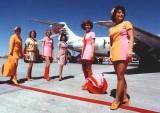 stewardesses-in-pantyhose-19