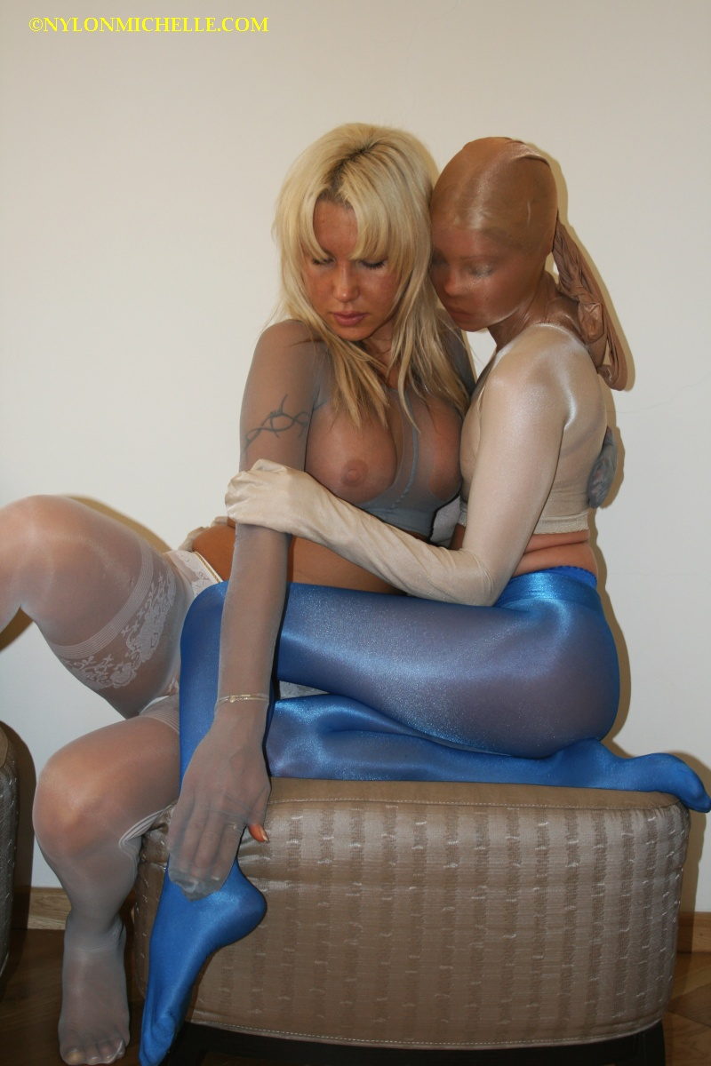 Blue bondage website