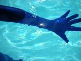 swimming-in-zentai-24