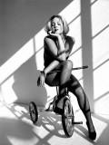 pantyhose-stockings-black-and-white-171