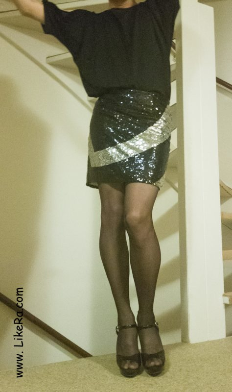 Crossdressing mini skirt, dark blue pantyhose, high heels